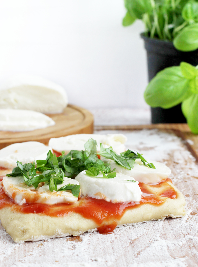 Flatbread_Pizza_Mozzarella