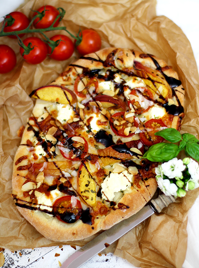 Sommerpizza Pfirsich Tomate_Backpapier
