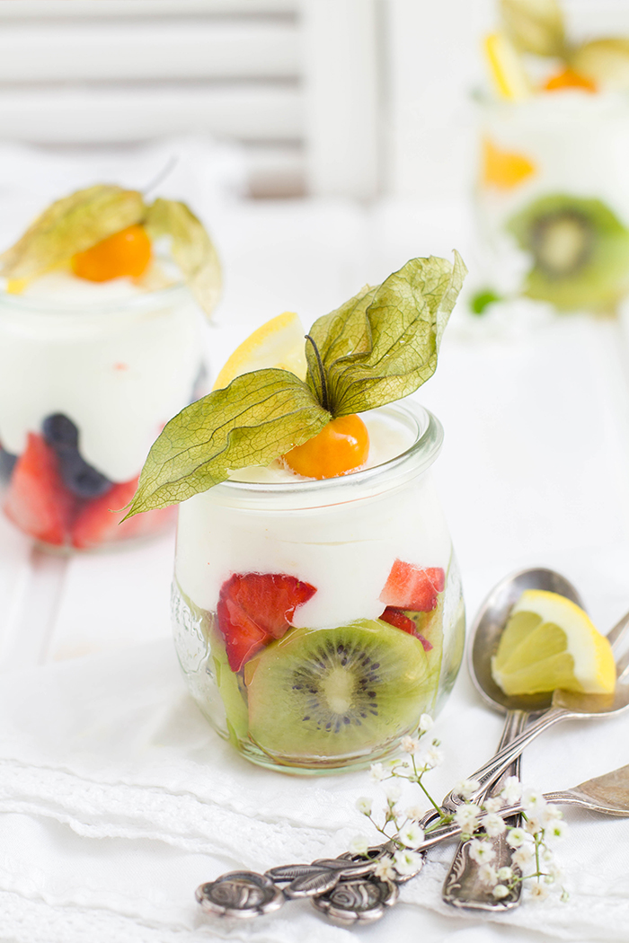 Obst Buttermilch Dessert_Close Up