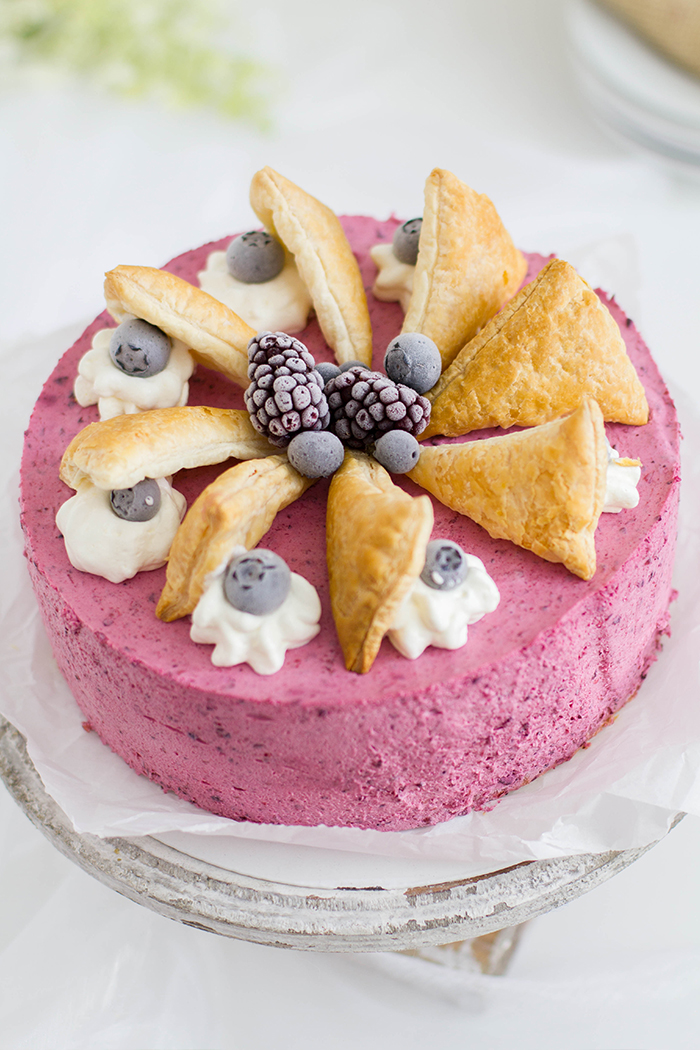Beeren Windbeutel Torte_Close up
